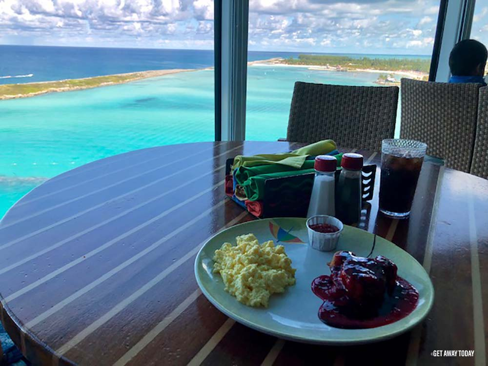 Cabanas Breakfast with an ocean view