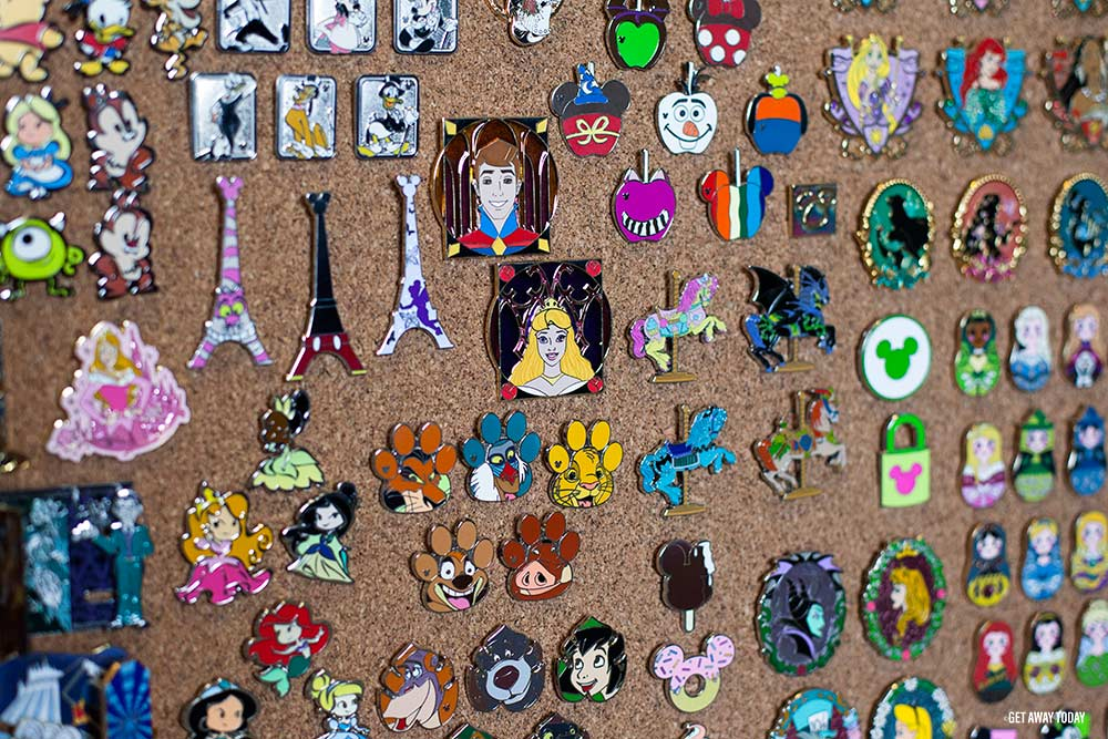 Disney Pin Collecting and Trading Board