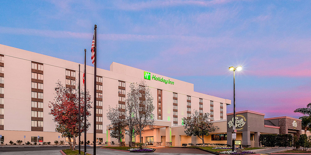 Holiday Inn la Mirada Review Exterior