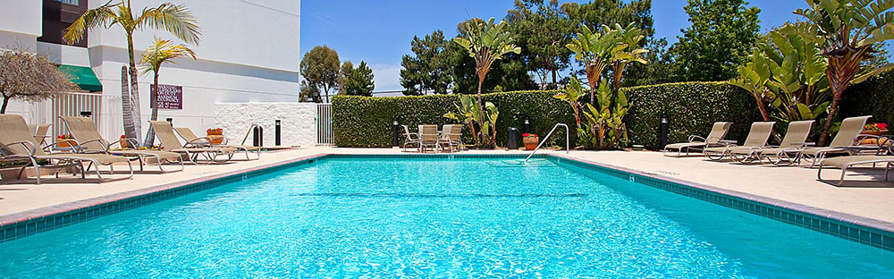 Holiday Inn la Mirada Review Pool