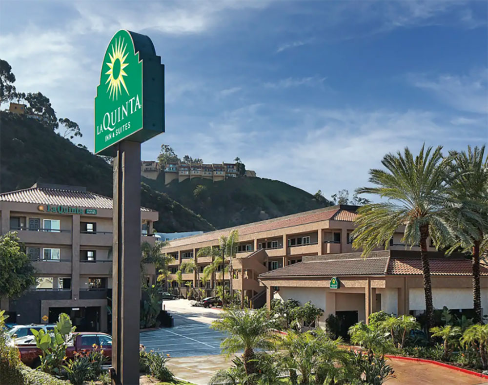 La Quinta Inn and Suites San Diego Review Exterior