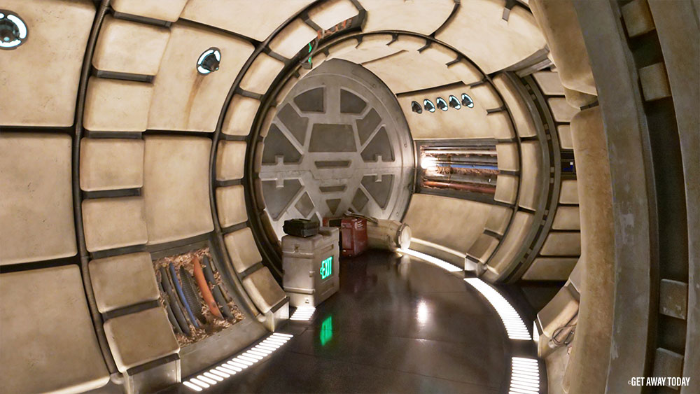 Star Wars Land Visitors Guide Millennium Falcon Smugglers Run