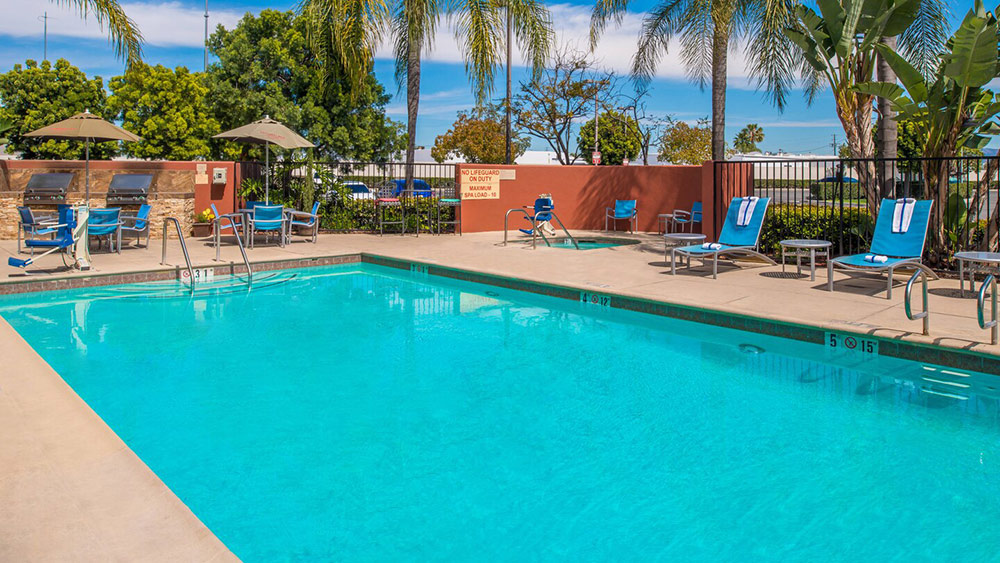 TownePlace Suites Anaheim Pool