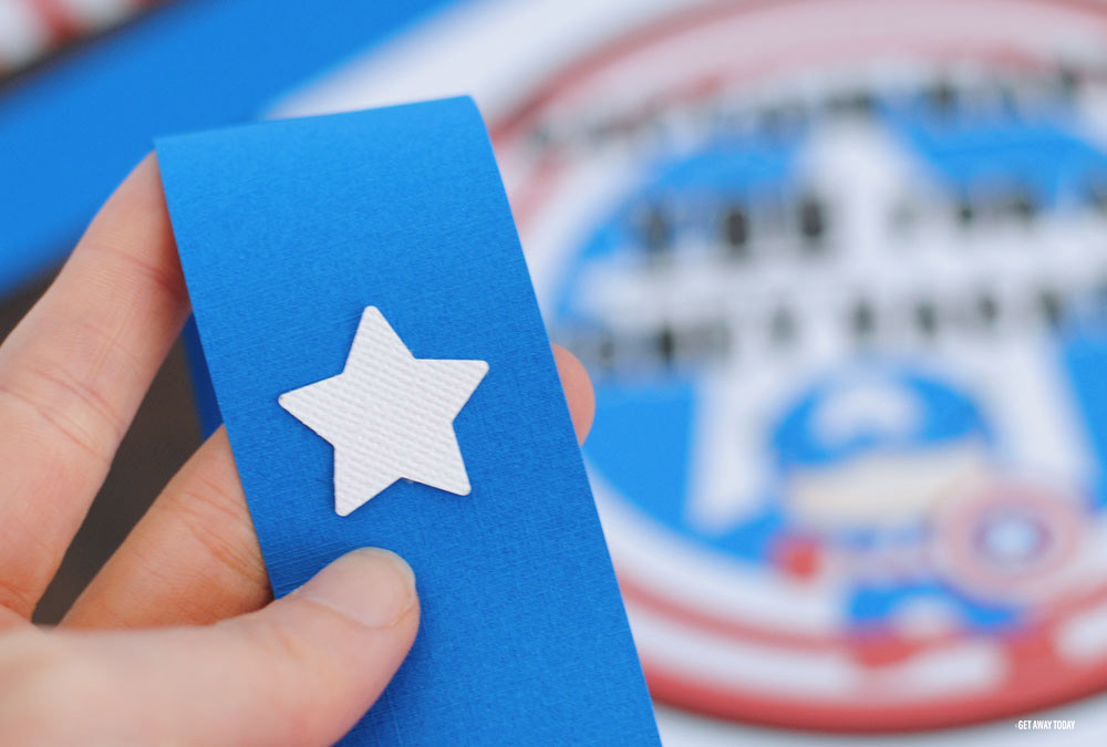 Captain American Countdown Chain White Star on Blue paper