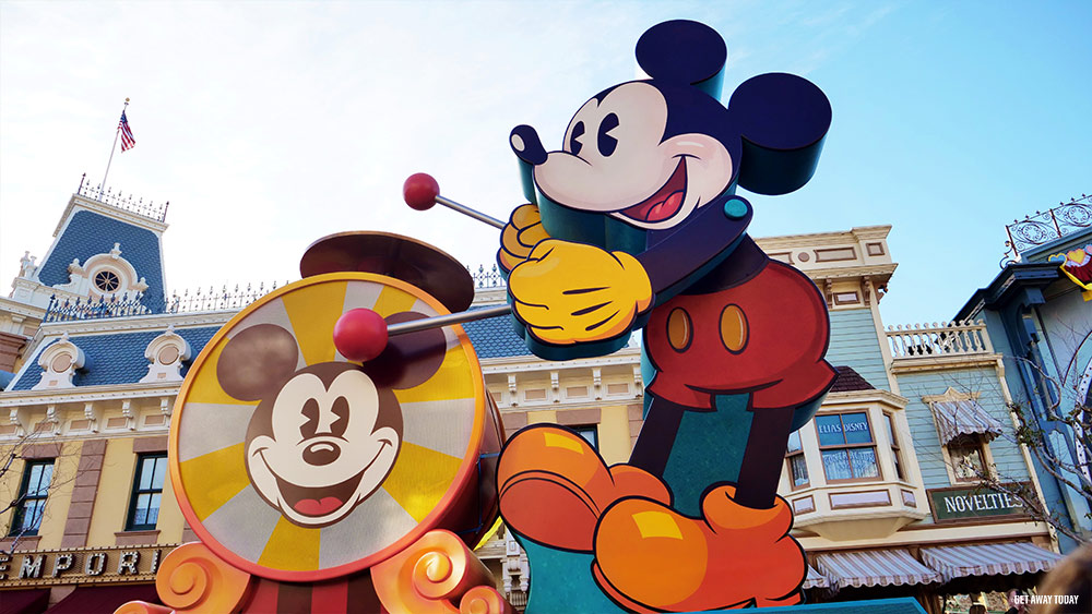 11 Thing Not to Miss During Get Your Ears On Mickeys Soundsational Parade