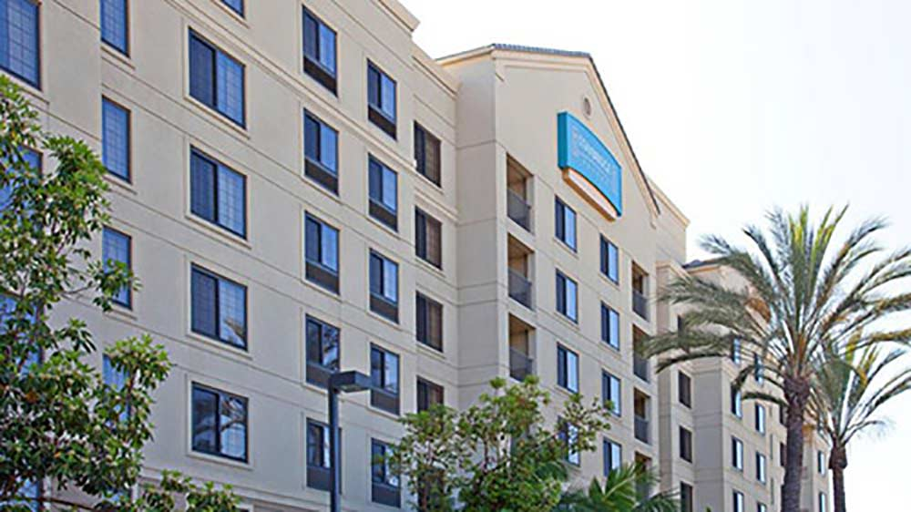 Best Disneyland Hotel For Large Families Straybridge Suites By Holiday Inn
