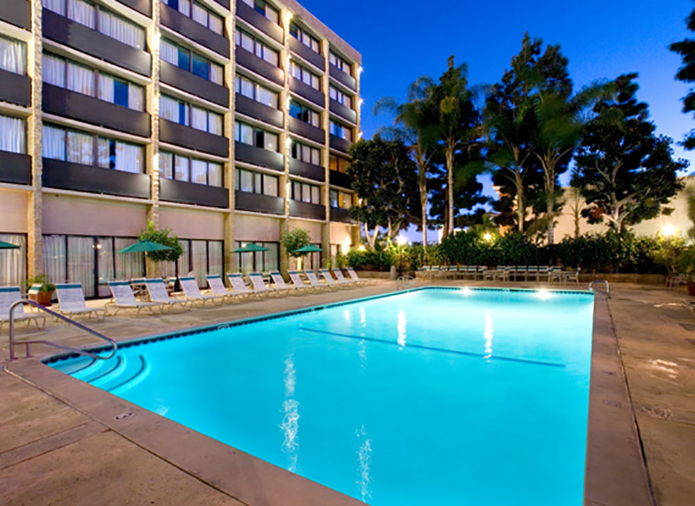 Clarion Hotel Anaheim Review Pool