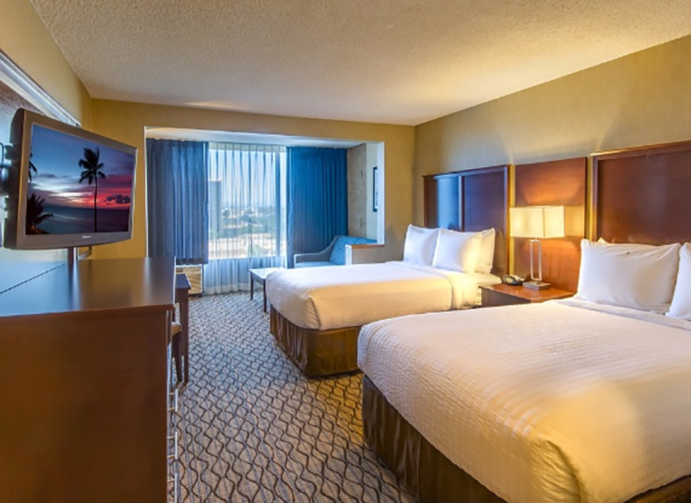 Clarion Hotel Anaheim Review Room