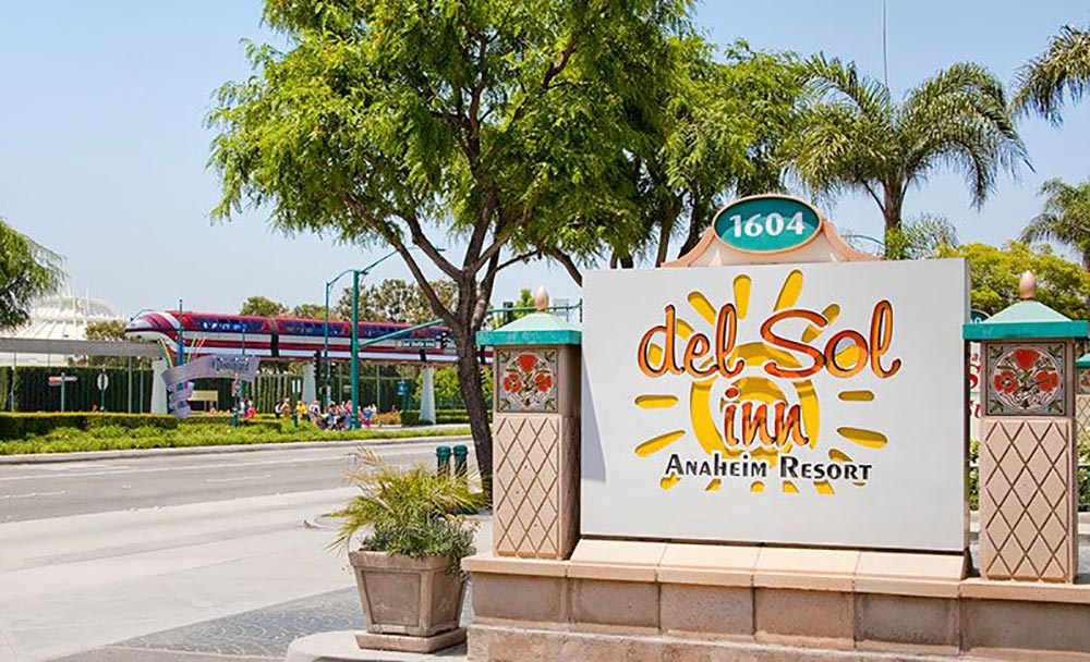 Del Sol Inn Review Exterior