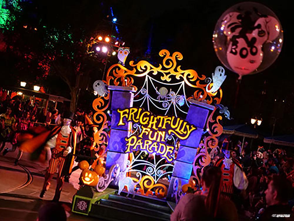 Halloween In Disneyland 2019.Disneyland Changes For Halloween 2019