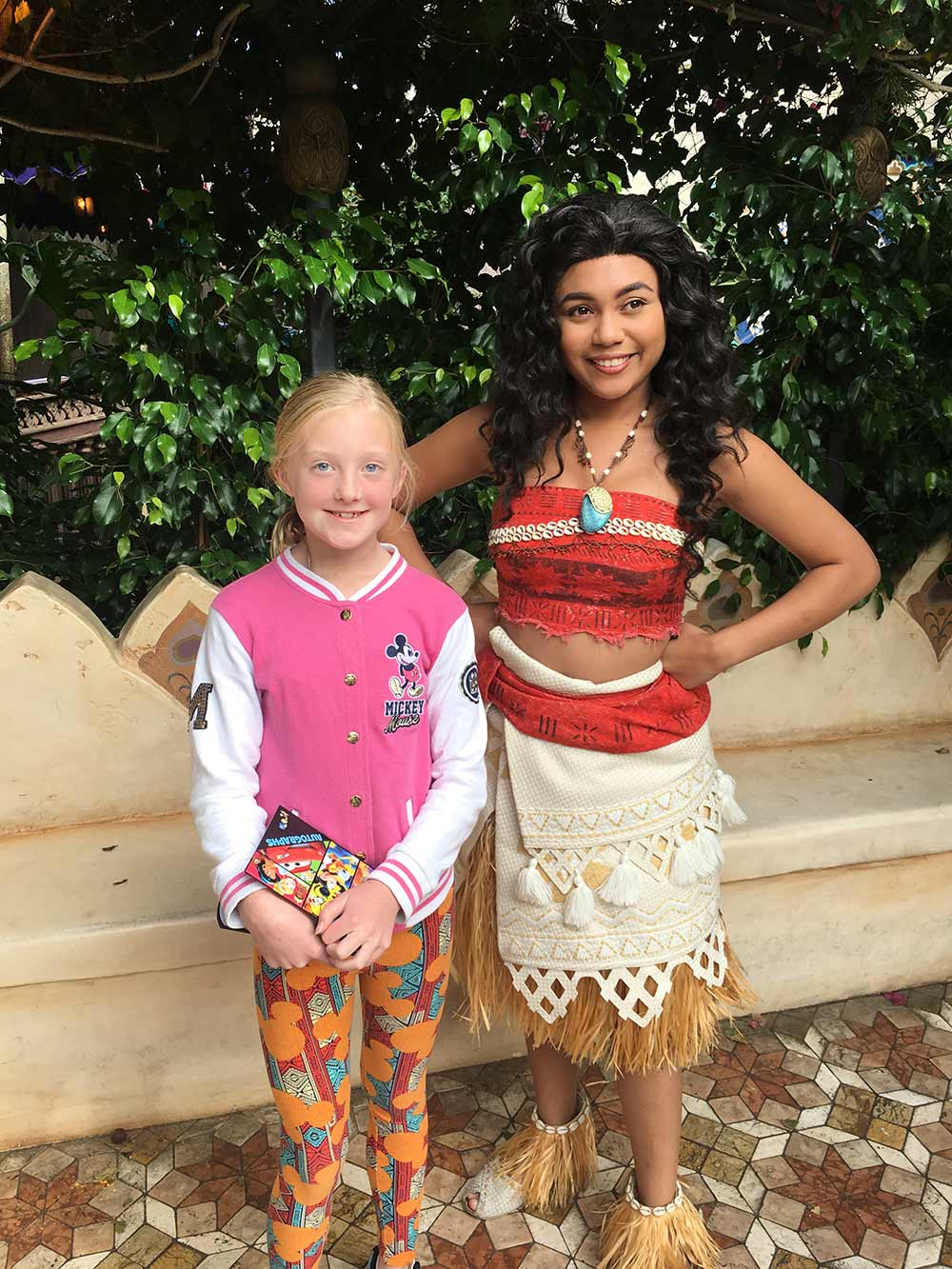 The Best Disneyland Character Guide - How to Meet and Greet