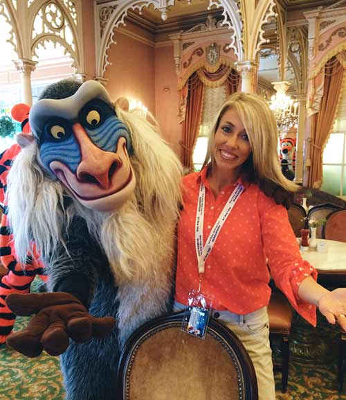 12 Things You Need to Know About Character Dining at Disneyland