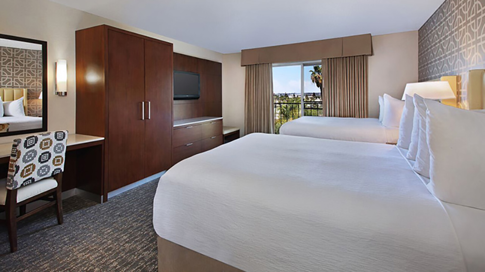 Embassy Suites Anaheim North Room