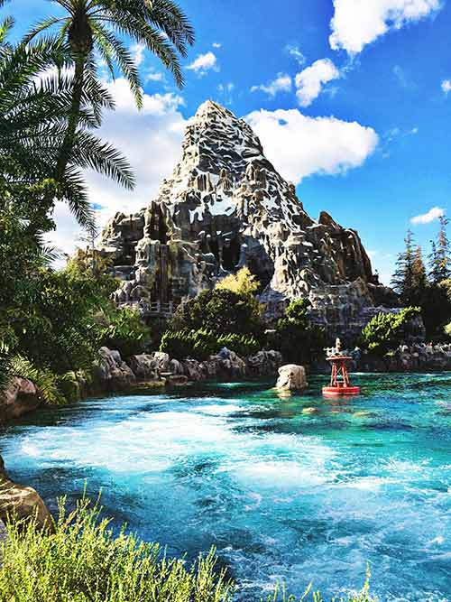 Disneyland submarine voyage 13 facts you didn 39 t know for Sejour complet disney