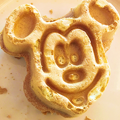Food Allergies at Disney: Tips for Eating at Disneyland, Disney World and Disney Cruise Line