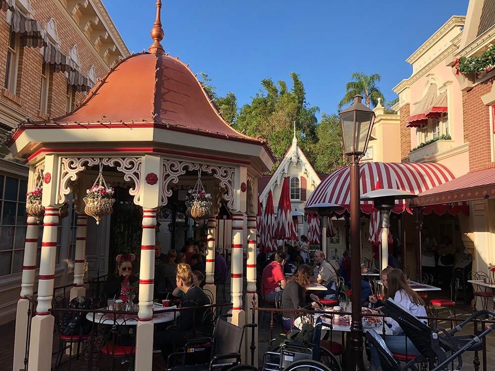 Fun Facts about Walt Disney Dining
