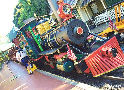 Guide to Disneyland 2017 Disneyland Railroad