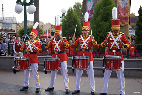 Guide to Holidays at Disneyland 2018 Toy Soldiers Drumming