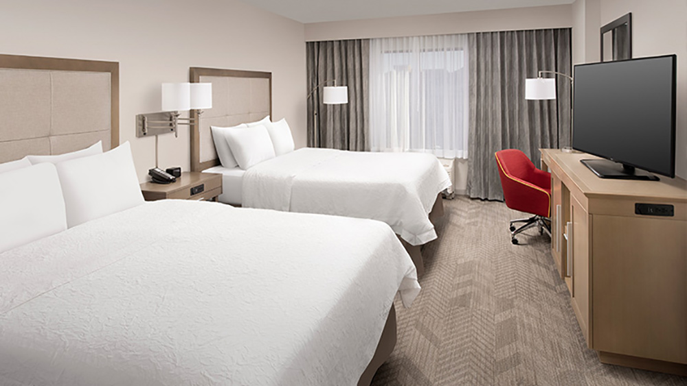 Hampton Inn Anaheim Room Tour Room