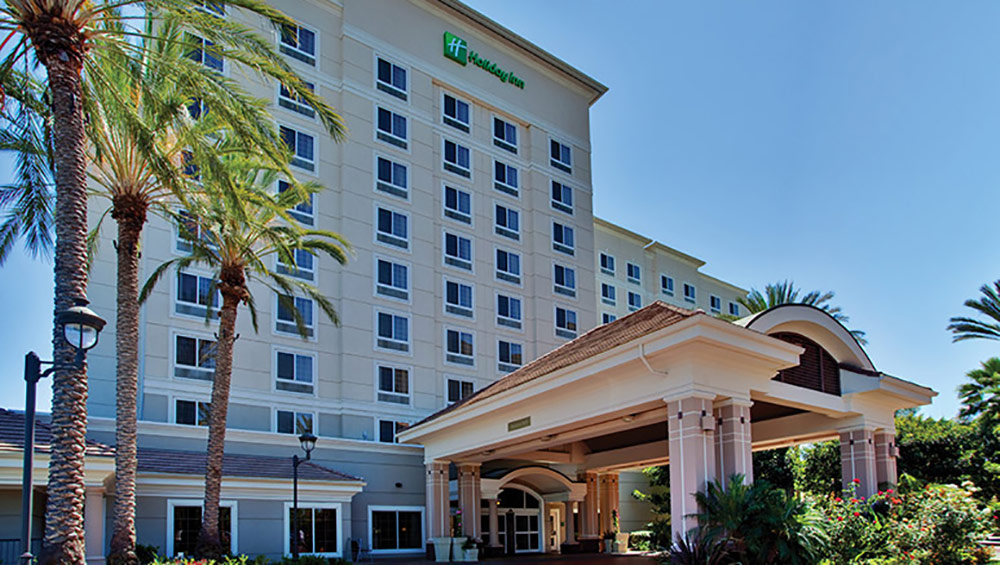 Holiday Inn Anaheim Resort Review Exterior
