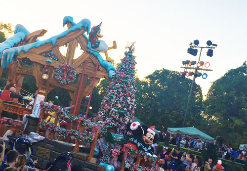Holidays at Disneyland 2017 Parade