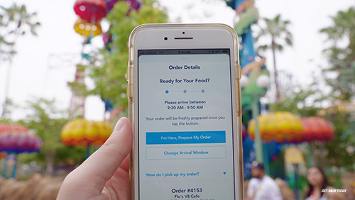 How to Use Mobile Ordering at Disneyland Header
