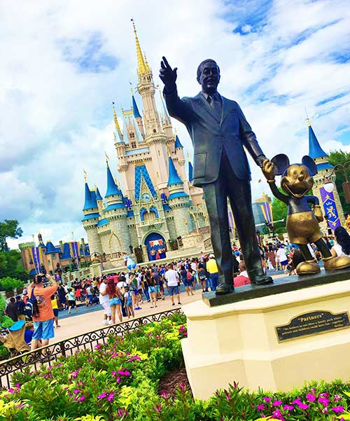 Disney World Magic Kingdom Walt Statue