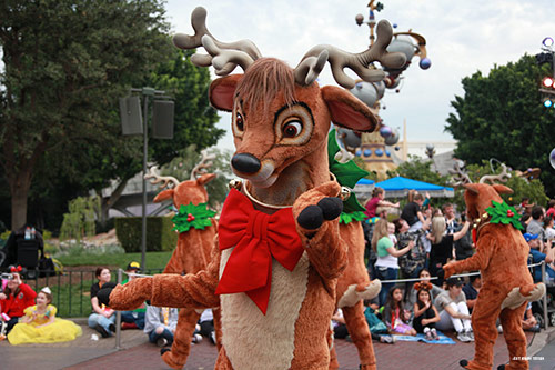 Maxpass During Holidays at the Disneyland Resort Parade
