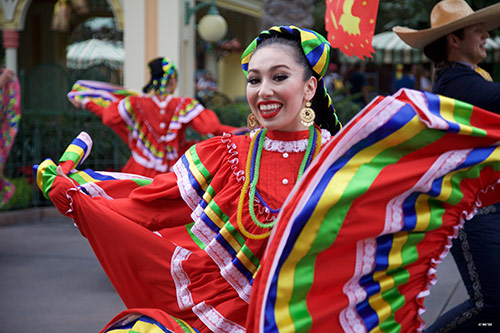 Maxpass During Holidays at the Disneyland Resort Viva Navidad Parade