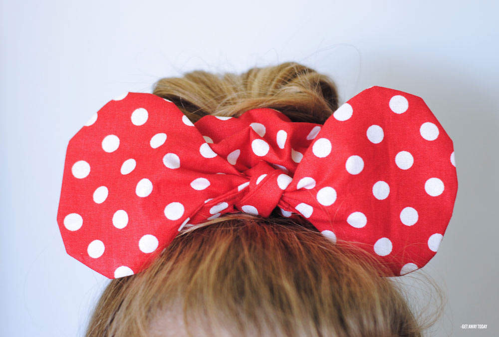 Minnie Mouse Scrunchie Front