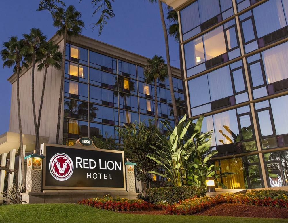Red Lion Hotel Anaheim Resort Review Exterior