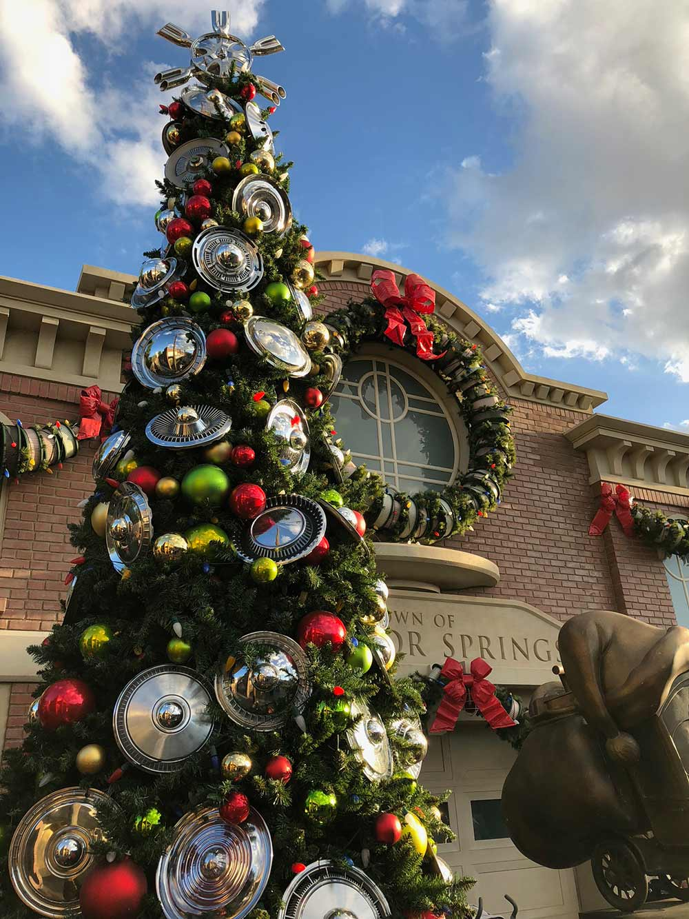 Special Events at Disneyland A Guide to Amazing Fun Christmas Tree