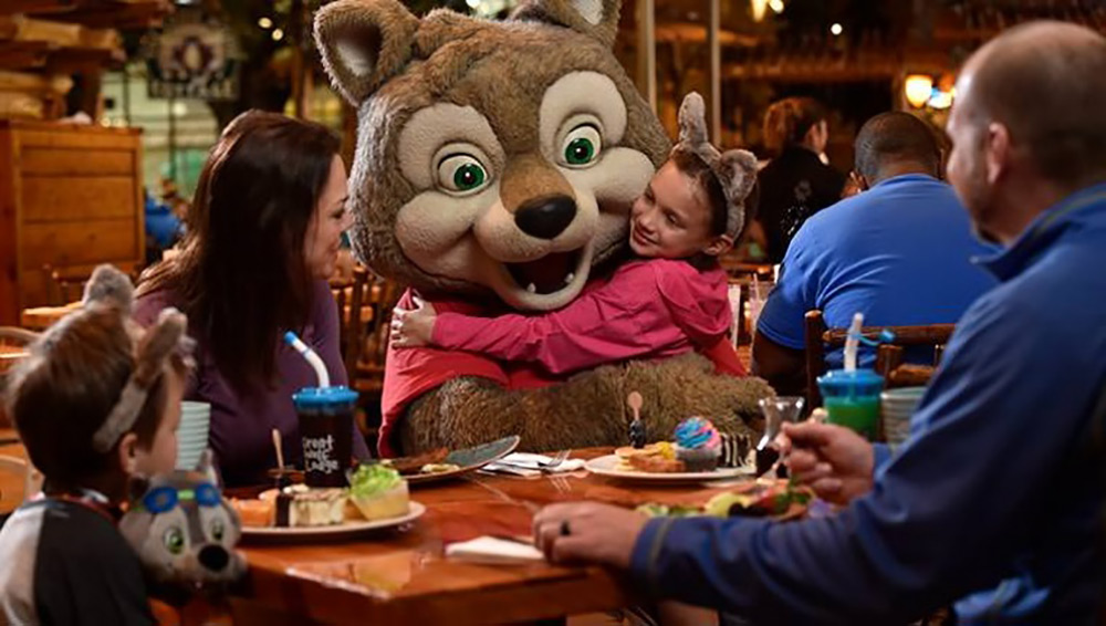 Things to do at Great Wolf Lodge Character Breakfast