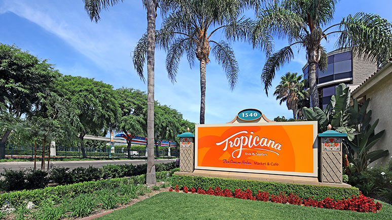 Tropicana Inn and Suites Anaheim Review