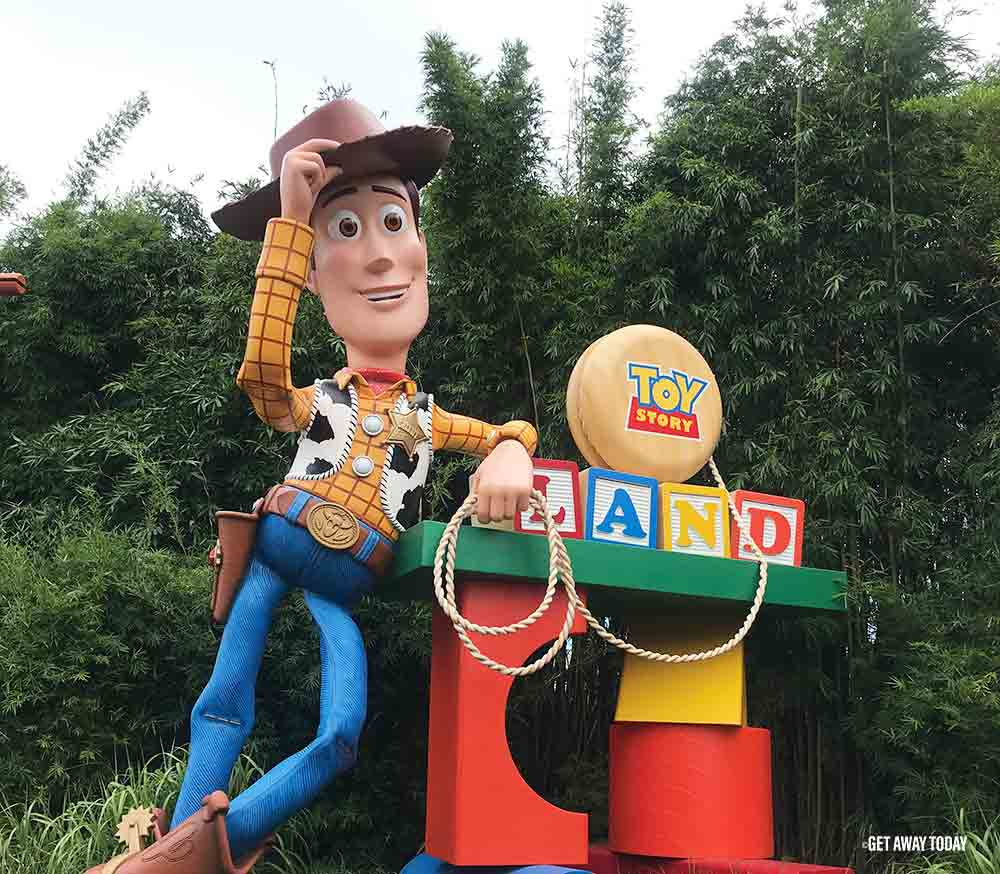 Toy Story Land Woody sign