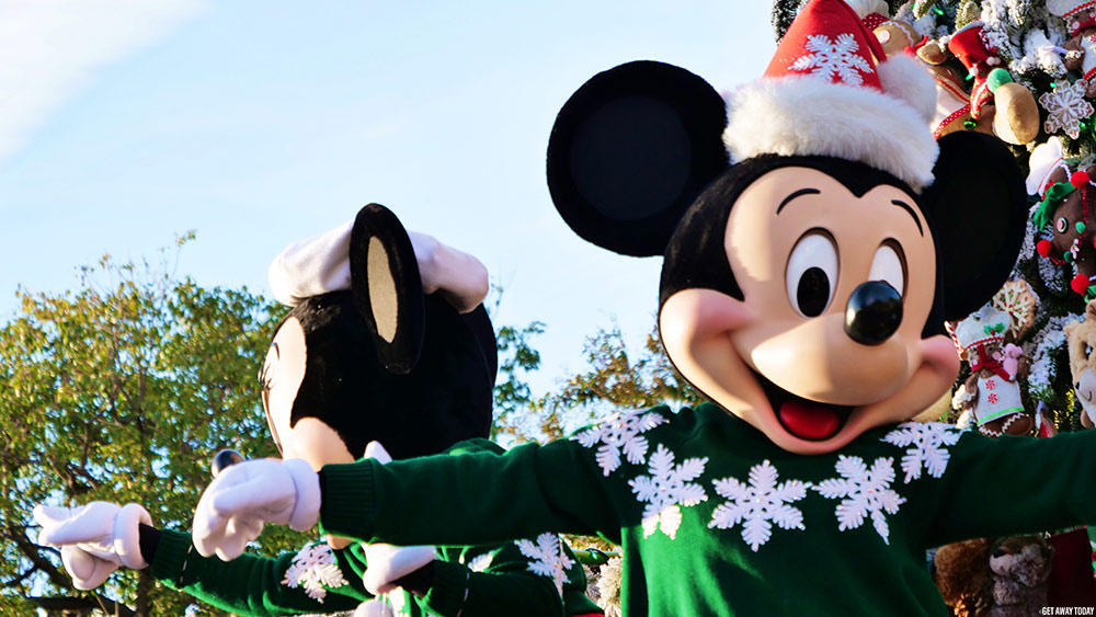 Holiday Mickey Minnie Parade Disneyland