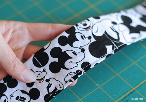 Disney Cooling Neck Wrap Finish Seam