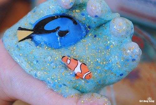 Finding Nemo Glitter Slime - Fish Playing