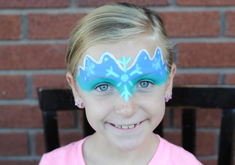 Cute and easy frozen face paint tutorial for Frozen face paint