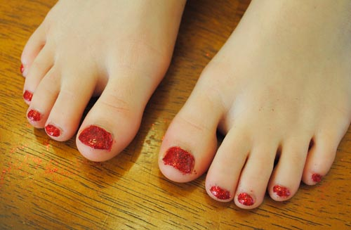 Glitter Toes Tutorial Glitter Around Your Toes