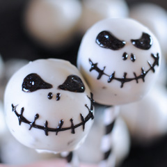 Easy Jack Skellington Oreo Pops
