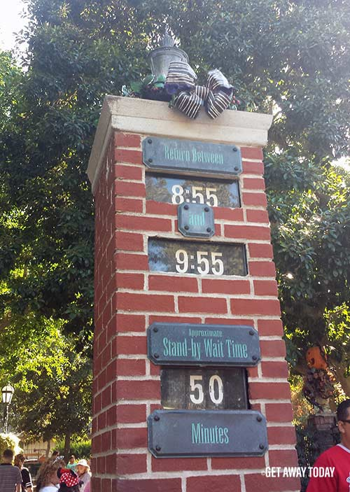 Theme Park Line Games Wait Times at Disneyland