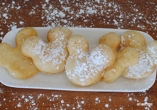 Mickey Mouse Beignets Plate