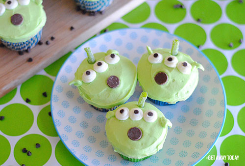 Toy Story Alien Cupcakes Header