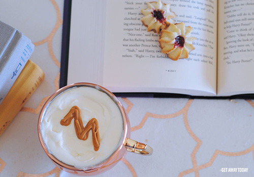 Harry Potter Butterbeer Served Warm with Cookies